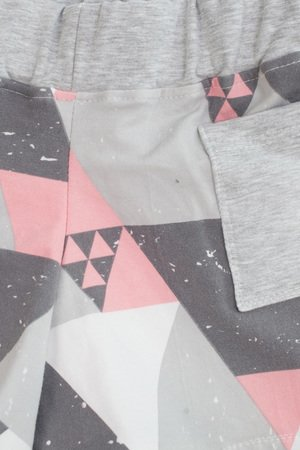 taff.one - Cozy Shortz Triangle