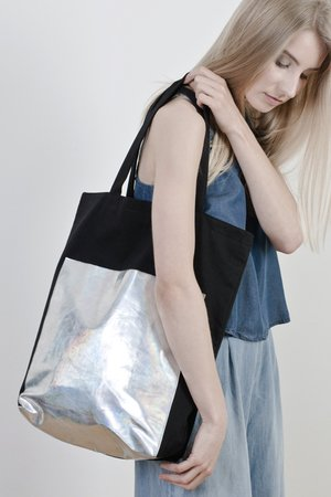 Black hologram bag b486c3