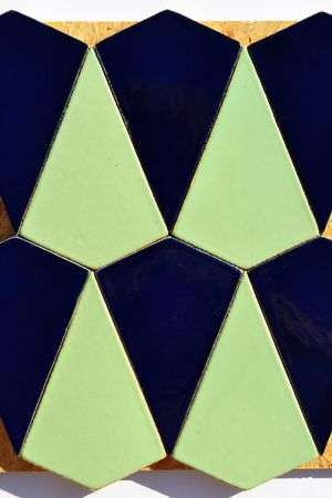 HERSZTEK - SURFING IN THE BAY