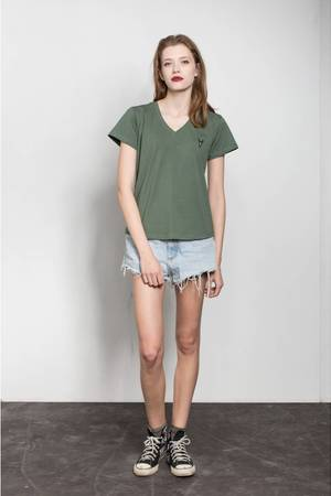 Mods v neck tee in olive