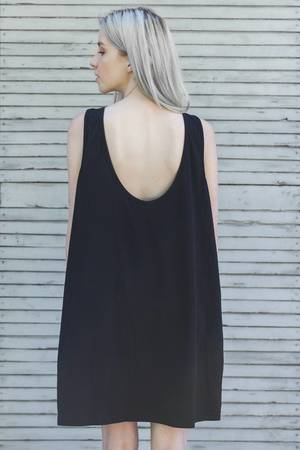 The Hive - OPEN BACK BLACK DRESS