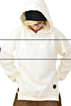 DON'T NEED NO SAMURAI - Ice Bear Hoodie Cream