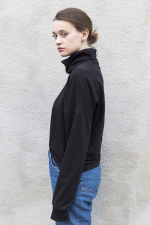 Oversized premium turtleneck in brushed black