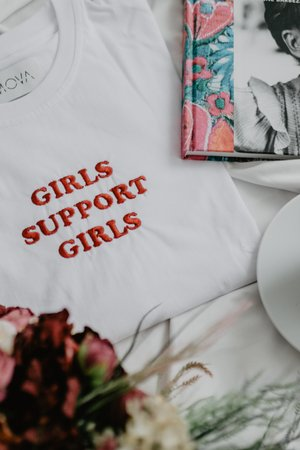 MOVA - Girls Support Girls